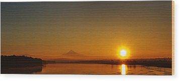 Monday Morning Columbia River Mount Hood Wood Print