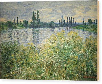 Monet's Banks Of The Seine At Vetheuil Wood Print by Cora Wandel
