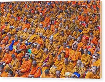 Monk Mass Alms Giving In Bangkok Wood Print by Fototrav Print