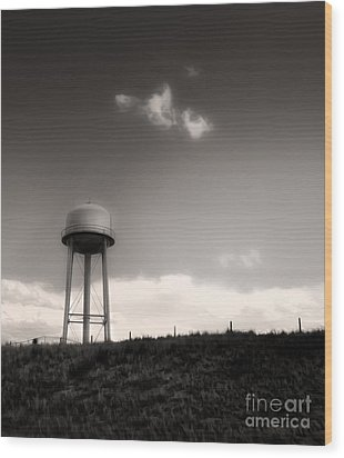 Montana - Lonely Sky Wood Print by Gregory Dyer