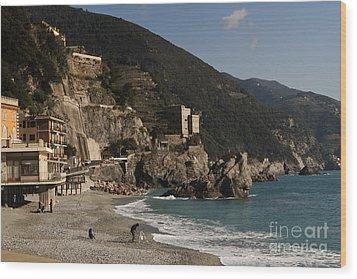 Monterosso Al Mare Wood Print by Leslie Leda