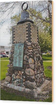 Montezuma Iowa Court House Monument Wood Print by Gregory Dyer