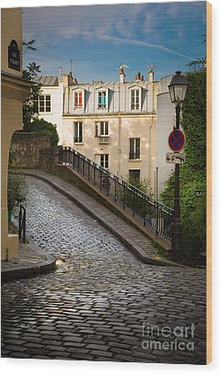 Montmartre Alley Wood Print by Inge Johnsson