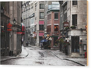 Montreal Street Scene Wood Print by John Rizzuto