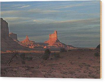 Wood Print featuring the photograph Monument Valley Sunset by Alan Vance Ley