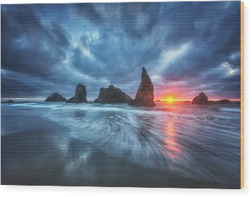 Moody Blues Of Oregon Wood Print by Darren  White