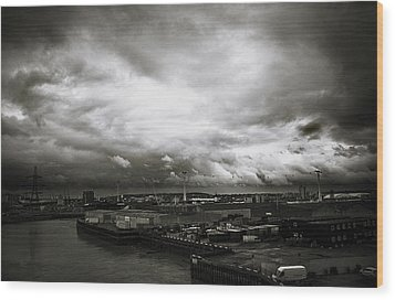 Moody Skies In London Wood Print by Lenny Carter