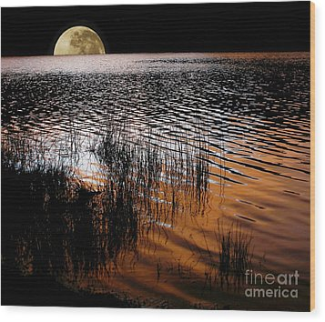 Moon Catching A Glimpse Of Sunset Wood Print by Kaye Menner