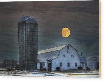 Moon Light Night On The Farm Wood Print by David Simons