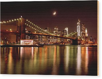 Moon Over The Brooklyn Bridge Wood Print