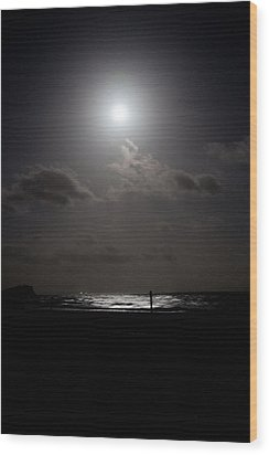Moon Rise Over Ocean Wood Print by Carole Hinding