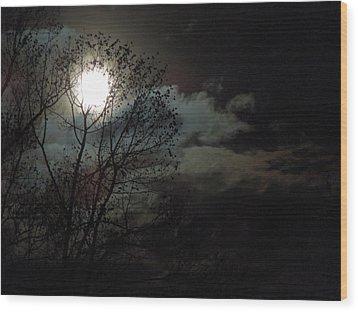 Moon Rise Wood Print by Pete Trenholm