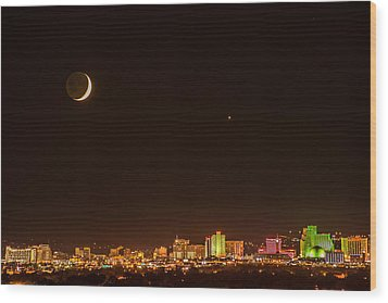 Moon-venus Over Reno Wood Print by Janis Knight