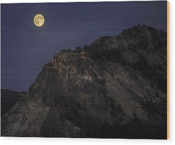 Moonlight On The Crater Rim Wood Print by Gary Neiss