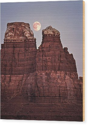 Wood Print featuring the photograph Moonrise In Utah by Christopher McKenzie