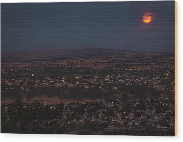 Moonrise Over Paso Wood Print