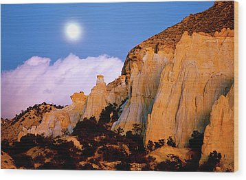 Moonrise Over The Kaiparowits Plateau Utah Wood Print