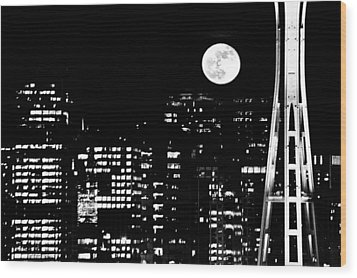 Moonrise Seattle Wood Print by Benjamin Yeager