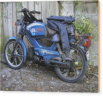 Moped Madness Wood Print by Steve Sperry