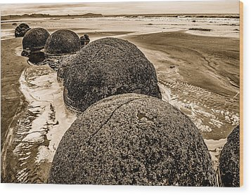 Moreaki Boulders #4 Wood Print by Judith Barath