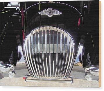 Morgan Sports Car Grille Wood Print by Don Struke