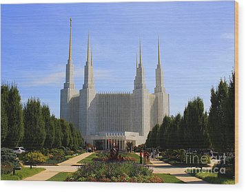 Mormon Temple Dc Wood Print by Patti Whitten