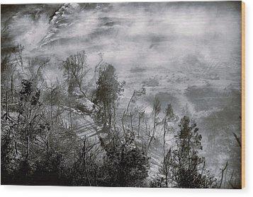 Morning At Bromo Heart Wood Print by Suradej Chuephanich