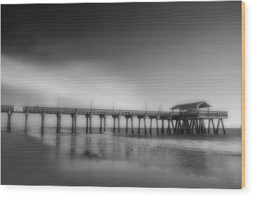 Wood Print featuring the photograph Morning At Tybee Island Pier by Frank Bright