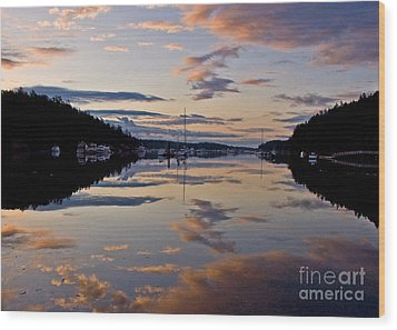 Morning Calm Wood Print by Chuck Flewelling
