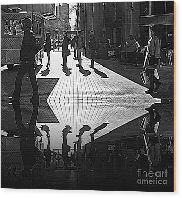 Wood Print featuring the photograph Morning Coffee Line On The Streets Of New York City by Lilliana Mendez