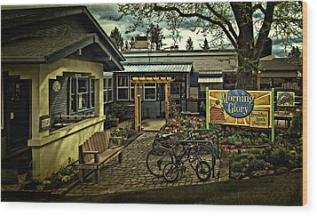 Wood Print featuring the photograph Morning Glory Cafe Ashland by Thom Zehrfeld