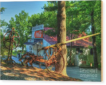 Morning In Rabbit Hash Wood Print by Mel Steinhauer