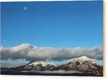 Wood Print featuring the photograph Morning Moon Over Spanish Peaks by Barbara Chichester