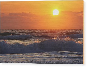 Morning On The Beach Wood Print by Bruce Bley