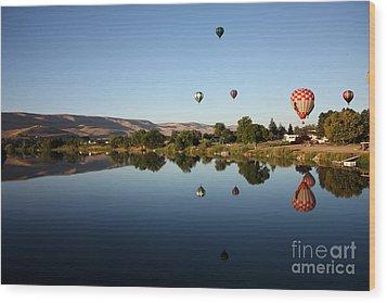 Morning On The Yakima River Wood Print by Carol Groenen