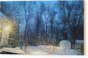 Snowy Morning Wood Print by Rose Wang