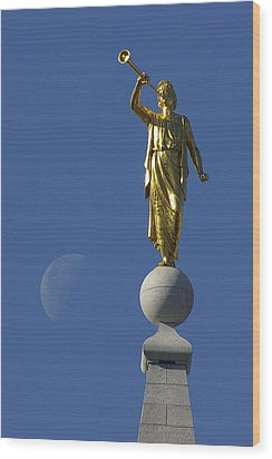 Moroni And The Moon Wood Print by David Andersen