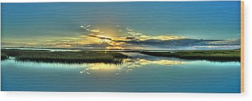 Wood Print featuring the photograph Morse Park Landing Sunrise by Ed Roberts