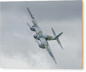 Mosquito At Ardmore Wood Print by Barry Culling