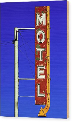 Motel Sign On Route 66 Wood Print by Daniel Woodrum