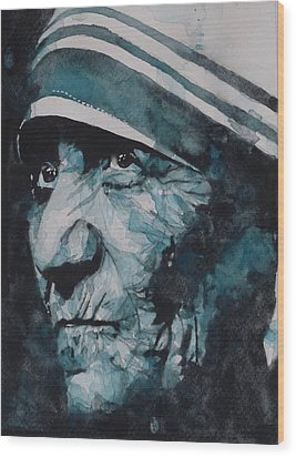 Mother Teresa Wood Print by Paul Lovering
