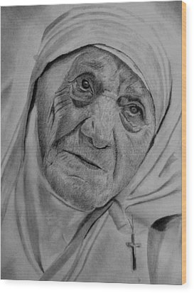 Mother Theresa-close Up Wood Print