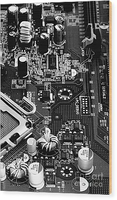 Motherboard Black And White Wood Print by Vinnie Oakes