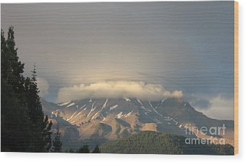 Mount Shasta - Icing On The Cake Wood Print