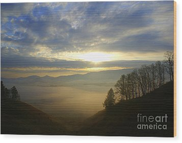 Mountain Valley Sunrise Wood Print