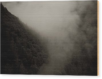 Mountains And Mist Wood Print