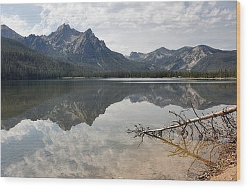 Mt. Mcgowan Reflected In Stanley Lake Wood Print