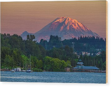 Mt Rainier Sunset At The Lake  Wood Print