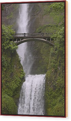 Multnomah Falls Oregon Wood Print by Gary Grayson