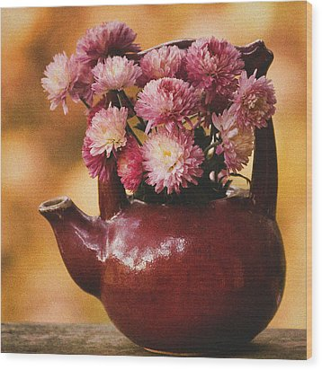 Wood Print featuring the photograph Mums In A Teapot Still Life by Peggy Collins